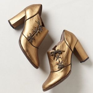NEW!! FARYLROBIN Anthropologie gold mod booties❤️
